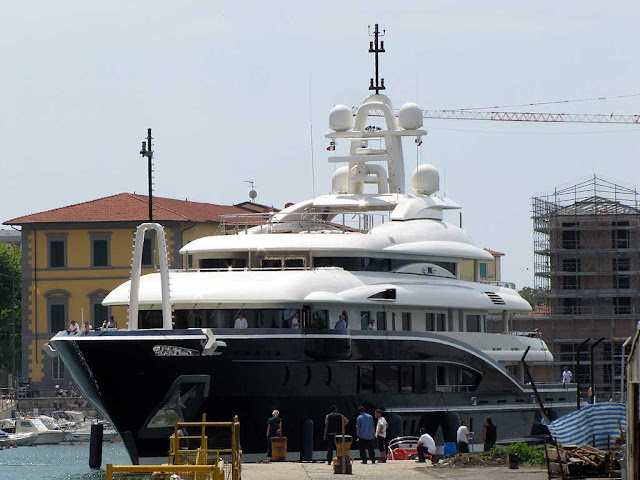 Superyacht Numptia, Rossinavi, IMO 1011367, port of Livorno