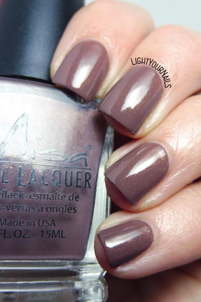 Smalto Misa Lost to the World nail polish #misa #nails #unghie #lightyournails