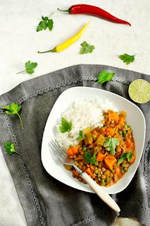 http://www.greencooking.pl/2014/03/warzywne-curry-z-soczewica.html