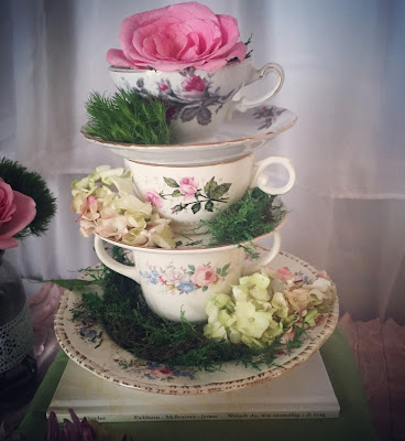 How to plan the perfect party to keep from losing your mind. Step-by-step guide to party planning. Party planning North Alabama. An elegant tea party baby girl baby shower