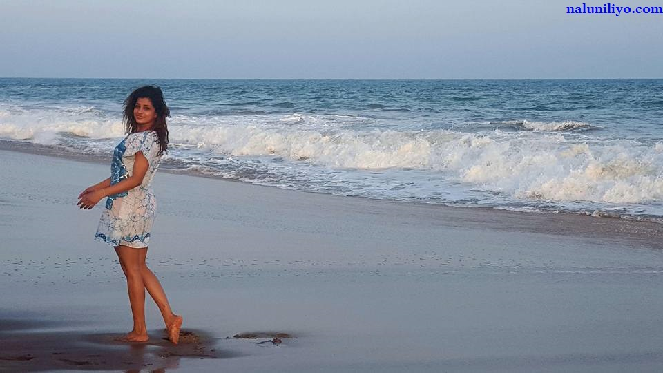 Nadeesha Hemamali new beach photos