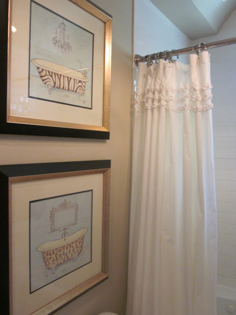 La Borda Bleu And Her Bathroom