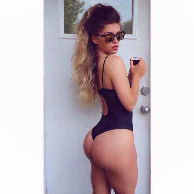 Hafiia Mira Instagram fitness model