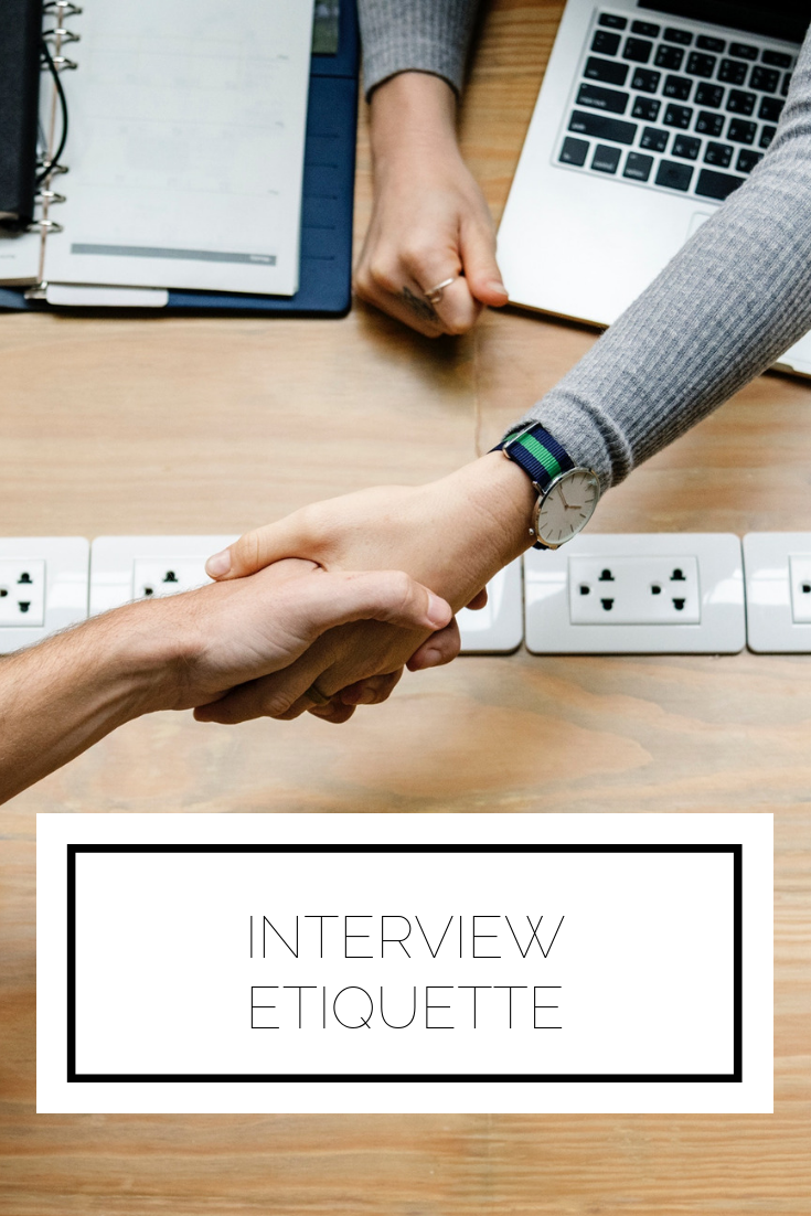 Click to read now or pin to save for later! Here are the top tips you need to know to have the proper etiquette before, during, and after an interview