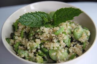 Sałatka quinoa/bób/mięta
