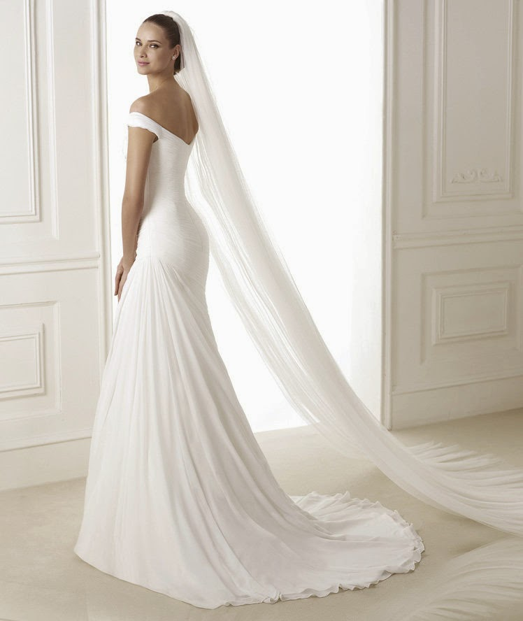 abito da sposa 2015 Pronovias Fashion Bena