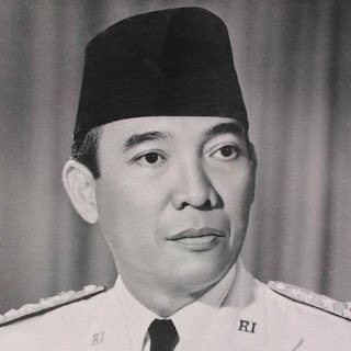 Biografi Soekarno Presiden Pertama Indonesia  Biografi Soekarno Presiden Pertama Indonesia (Singkat Dan Lengkap)