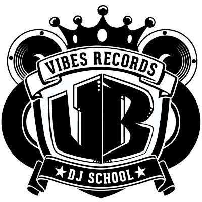 VIBESRECORDS DJスクールのロゴです。