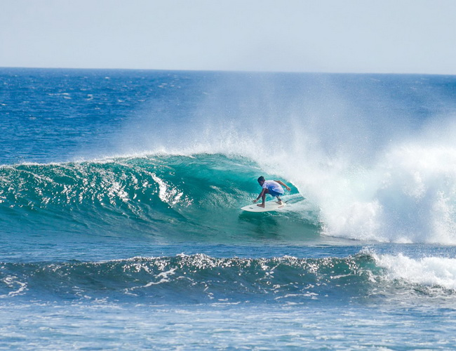 Xvlor Puraran Beach is majestic surf on remote coast to welcome Pacific barrels