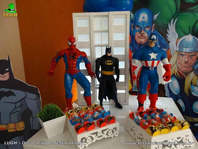 Mesa de aniversário Super Heróis - mesa decorada de tema infantil