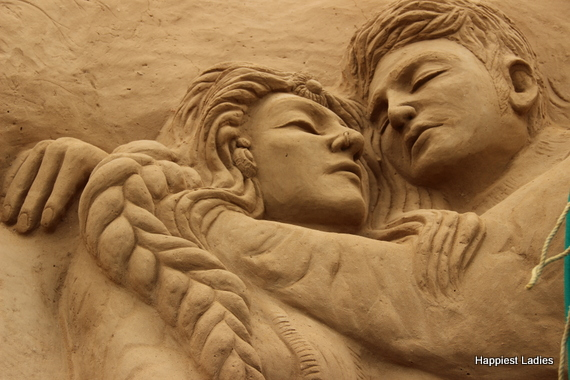 romantic scene at mysore sand museum