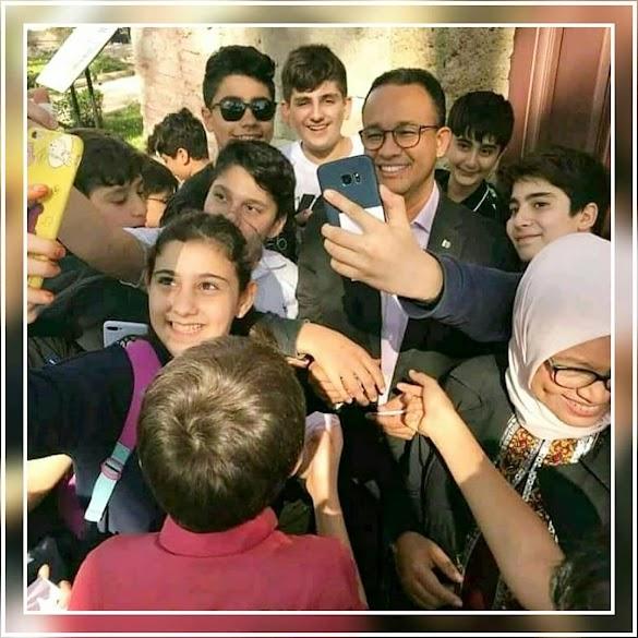Warganet: Begitu antusiasnya anak-anak Turki ingin berfoto dengan Presiden RI 2019-2024