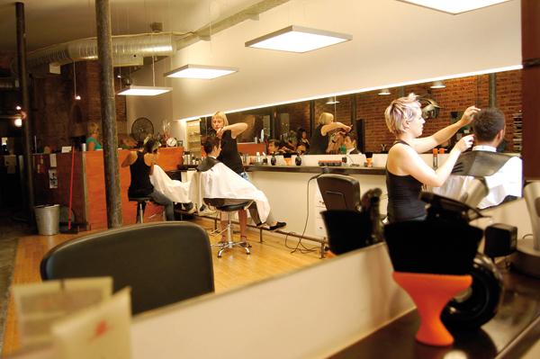 Ara construcciones en general especial peluquerias for Iluminacion para peluquerias