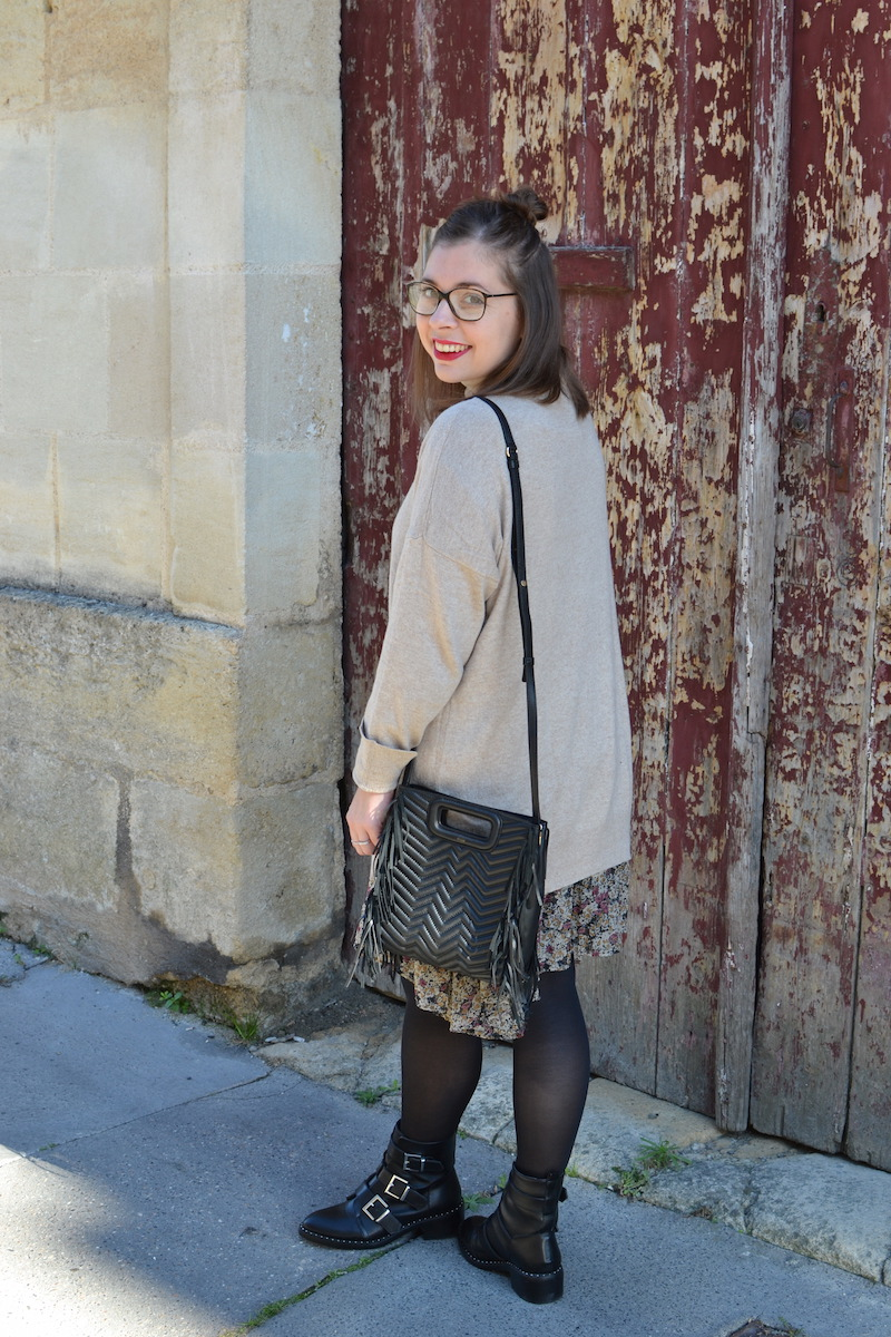 pull long col montant Asos, robe a fleur Zara, collants, sac M maje, bottines noires clous Pimkie