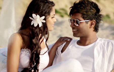 Enn Nenjea HD Video Song – Uyirvarai Iniththaai