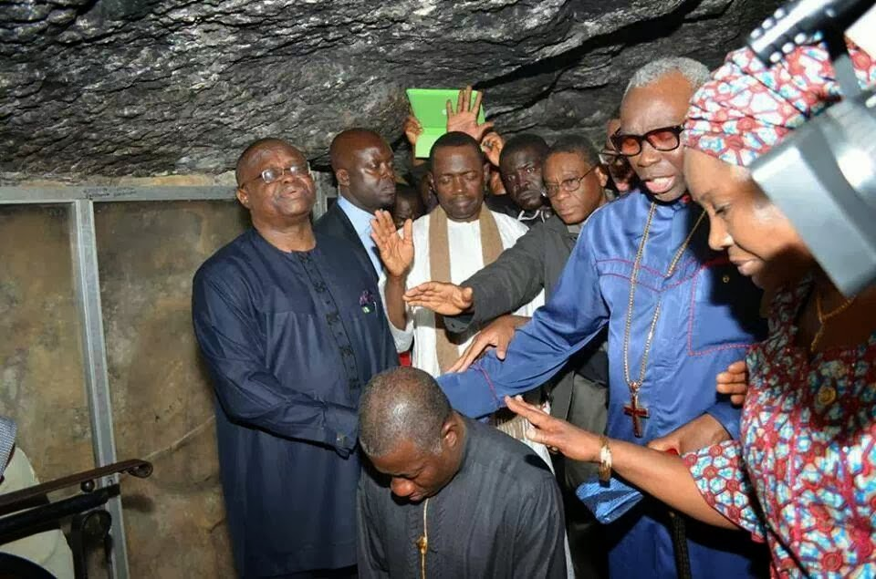 can president praying jonathan