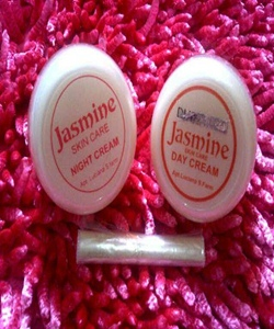 Cream Jasmine