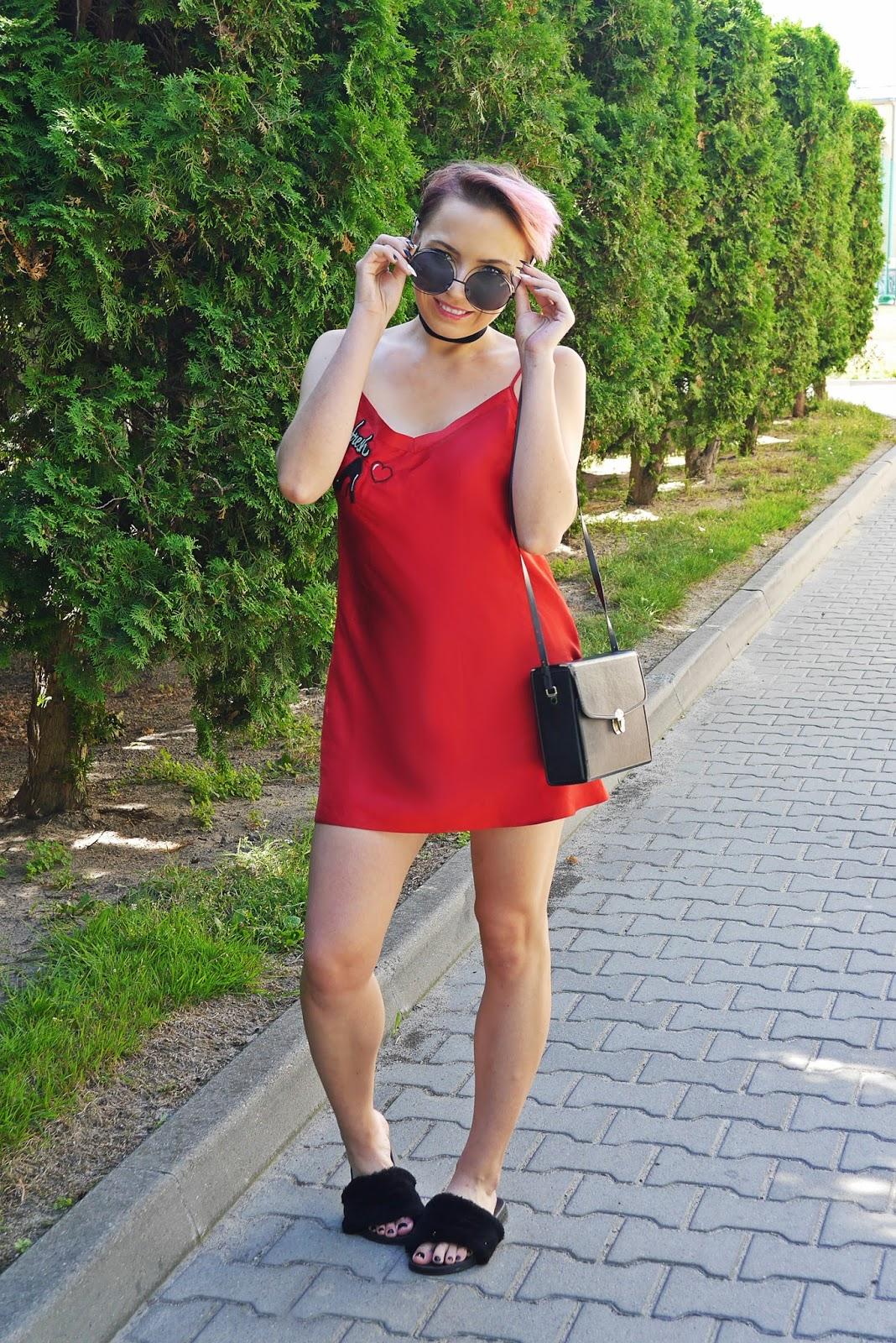 satynowa_sukienka_wlochate_klapki_karyn_blog_modowy_190717c
