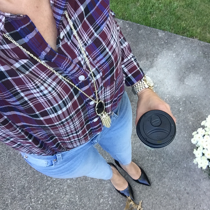 plaid, kendra scott, rayne necklace, skinny jeans, fall