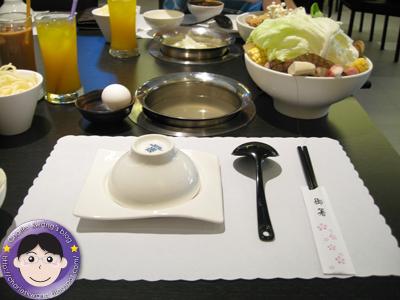 [食記] 基隆-尚品屋涮涮鍋 - Charles Kwang 的美食慢遊