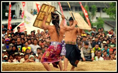 wisata lombok seni budaya peresean suku sasak