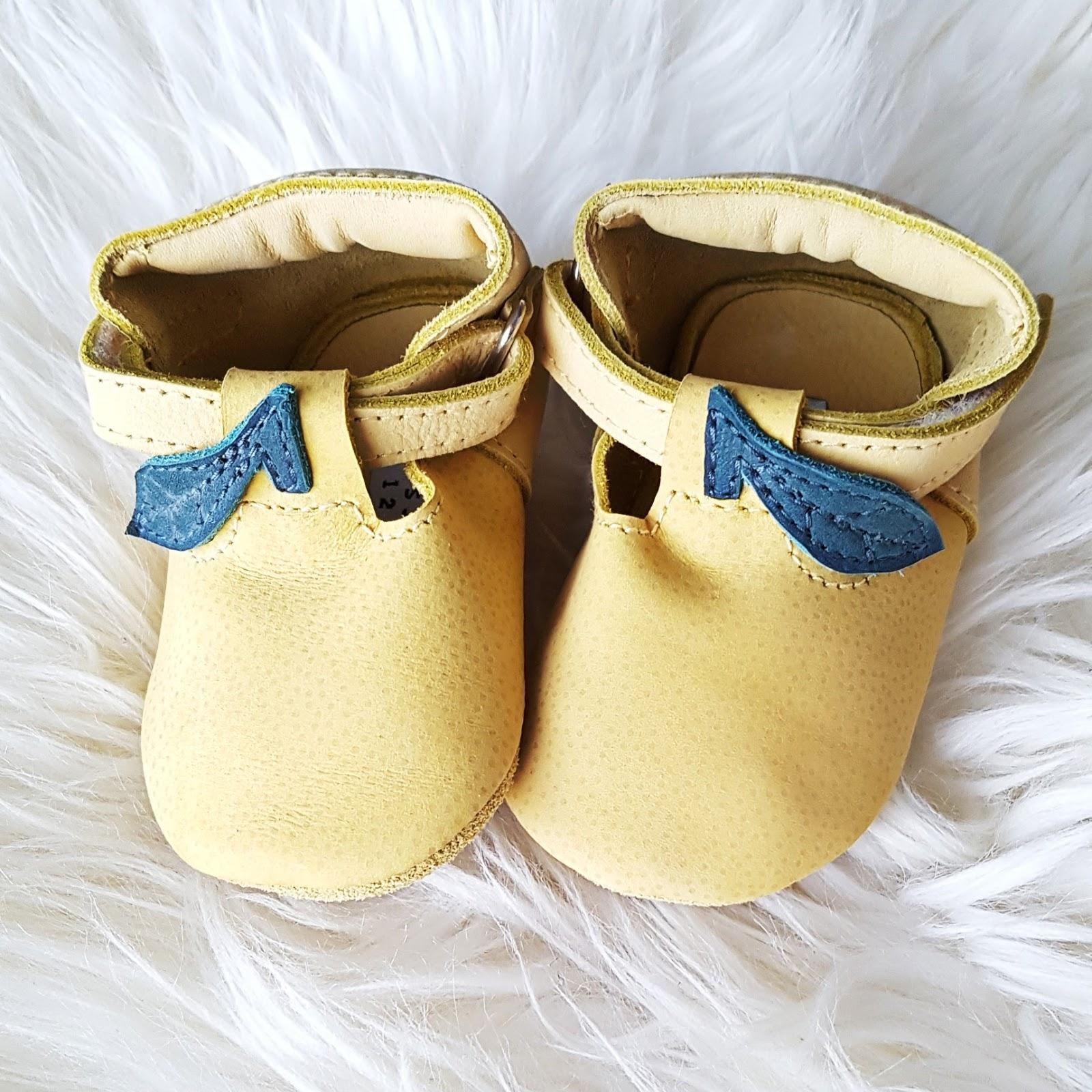 Pienen ihmisen kengät. 2f948a6485