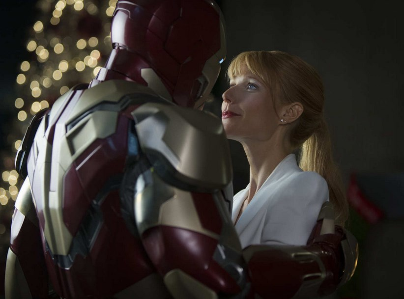 Foto mengecilkan paha dan bokong Artis Gwyneth Paltrow kelihatan cantik dalam film Iron Man pepper pot