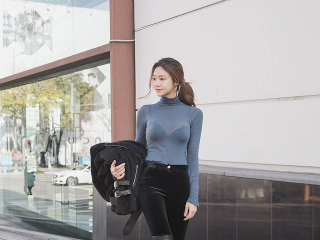 Park Jung Yoon - Black Velvet Jeans Black Boots #2
