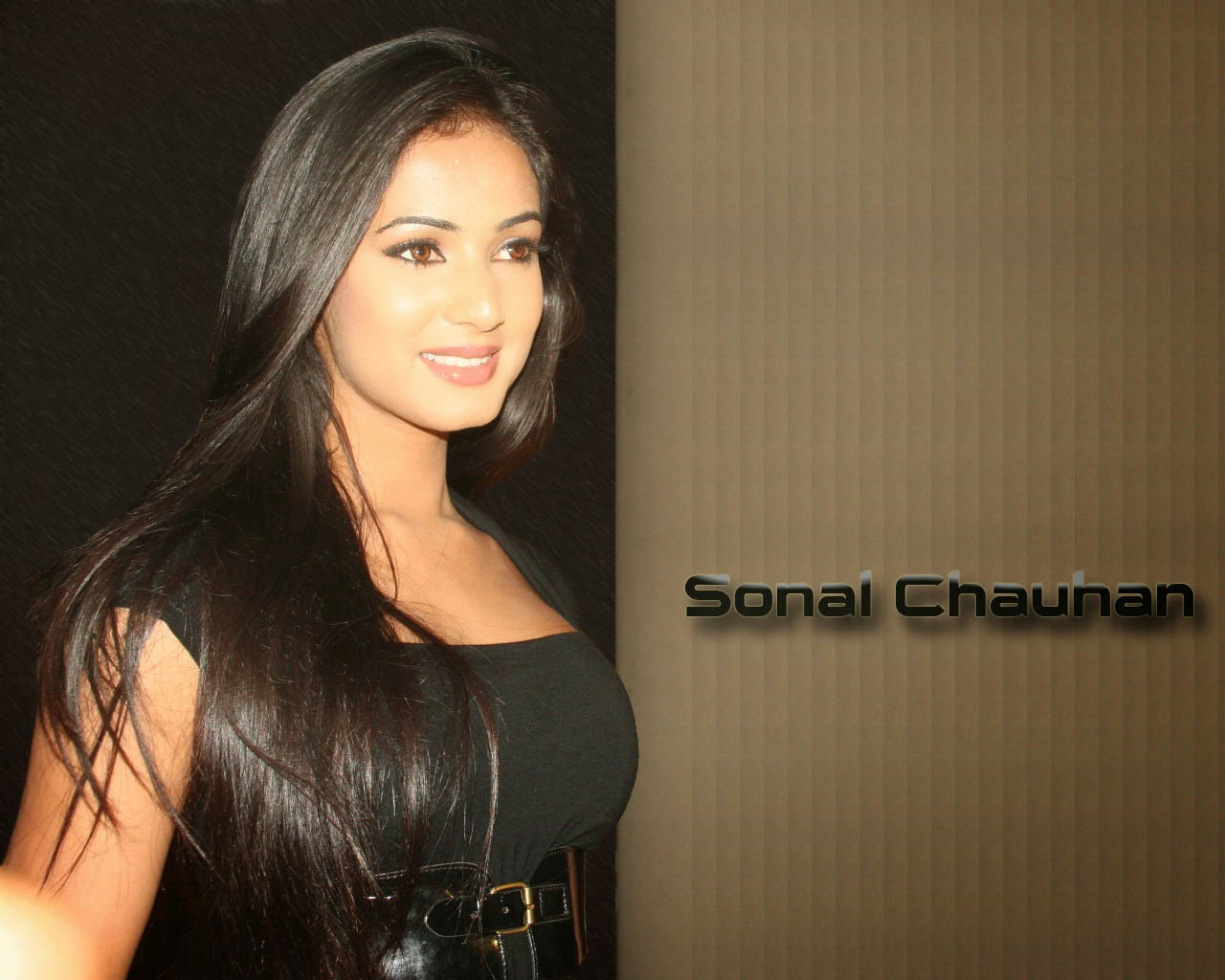 Fukrey Look: Sonal Chauhan Hot Hd Wallpapers 2013