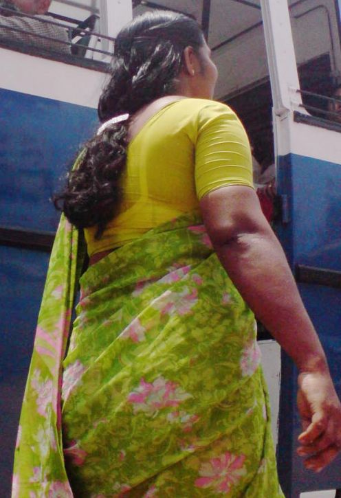 Back Aunty Near By Bus  Aunties Back Photos-9117