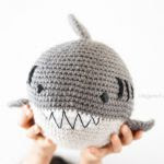 https://translate.google.es/translate?hl=es&sl=auto&tl=es&u=http%3A%2F%2Fwww.1dogwoof.com%2F2016%2F06%2Fcrochet-shark.html