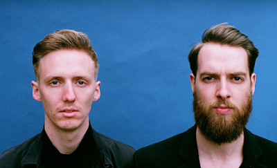 """Lirik Lagu HONNE - Me & You"""