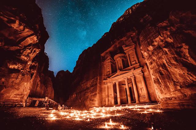Petra por la noche