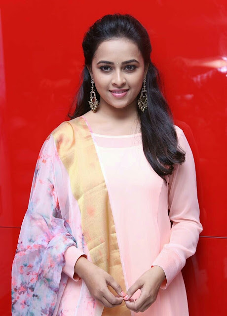Actress SriDivya At Maaveeran Kittu Audio Launch Photos