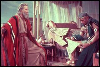 Los diez mandamientos, Charlon Heston es Moisés