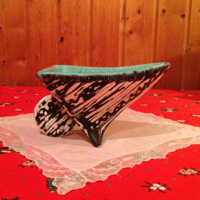 Gorka Géza kerámia alkotása - asztali kínáló