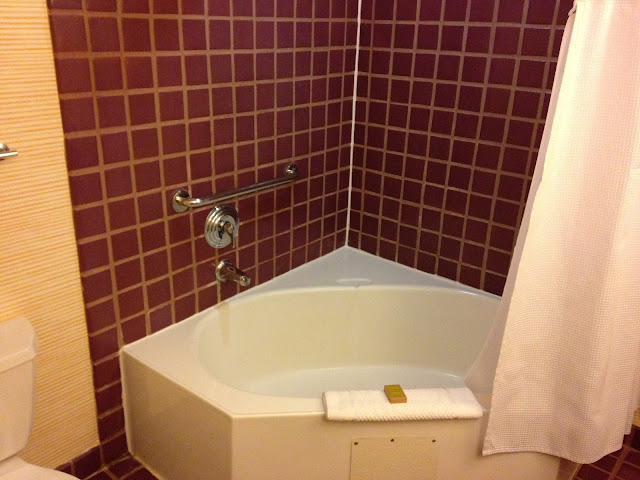 Tropicana Las Vegas Junior Suite Bath