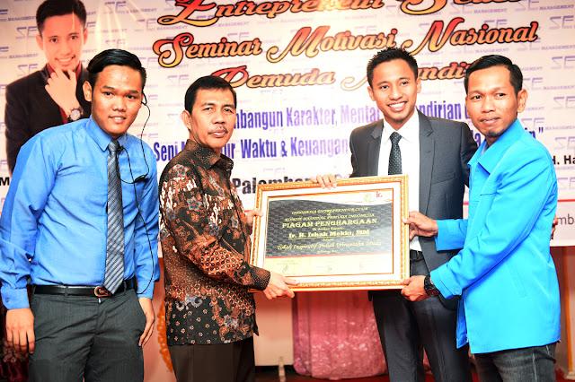 Tumbuhkan Pemuda Mandiri, KNPI Gelar Seminar Enterpreneur