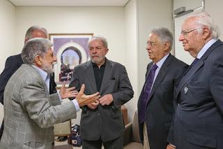 FHC visita Lula para dar os pêsames; Dilma chega ao Brasil nessa sexta