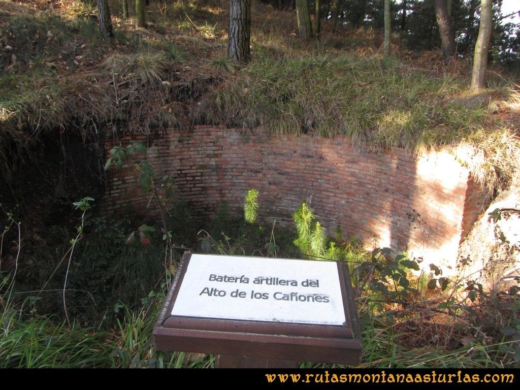 Ruta Sierra Bufarán, picos Degollada o Grande y Cotera: Batería de artillería del Alto de los Cañones