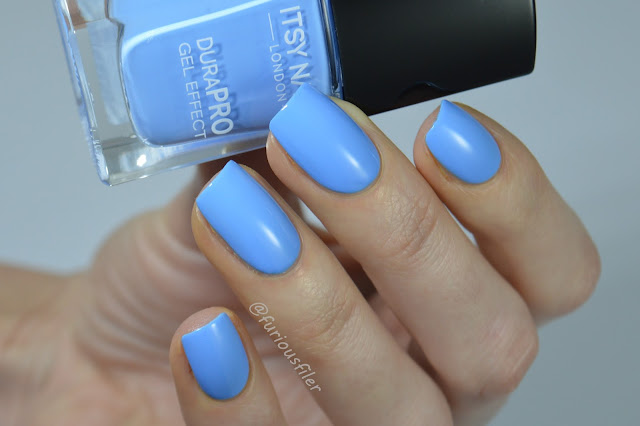 itsy nails cosi ti amo swatch blue cornflower