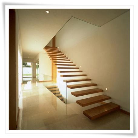 interior tangga rumah minimalis - tambahan dekorasi