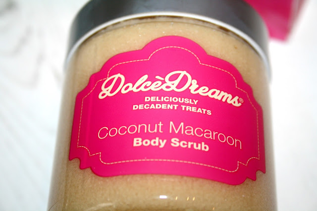 Dolce Dreams Coconut Macaroon Body Scrub