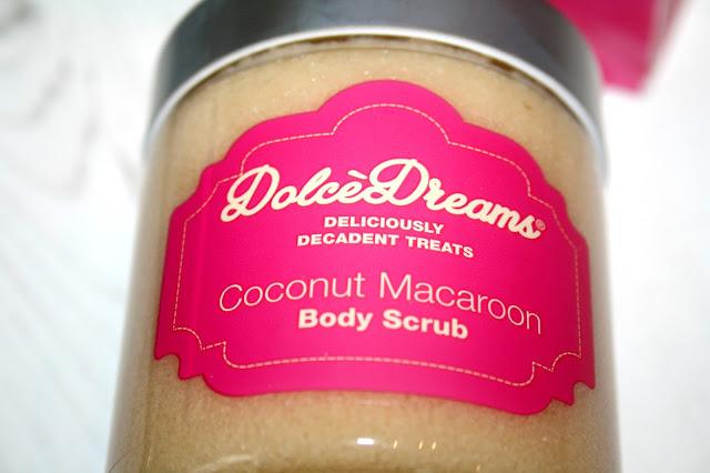 Dolce Dreams Coconut Macaroon Body Scrub