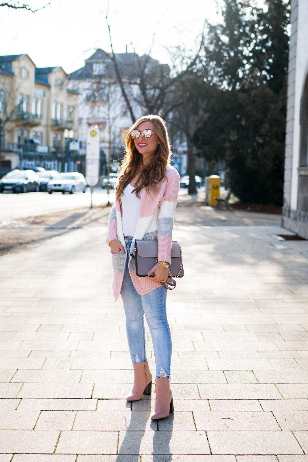 Trend-sommer-trend-chloe-tasche-chanel-brosche-verspiegelte-sonnenbrille-trend-bloggerstyle-pastell-strick-cardigan-bloggerstyle-blogger-aus-frankfurt-