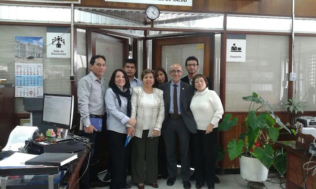 El presidente del CGPC junto aresponsables de ESSALUD