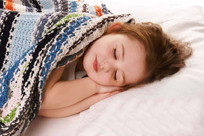 sleeping-little-queen-girl-baby-pics
