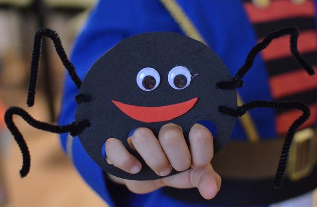 pavúk na prsty