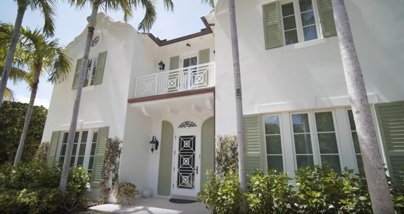 13 Photos vs. 119 East Inlet Dr, Palm Beach, FL Home Interior Design Tour