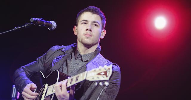 Nick Jonas felicita a Lady Gaga por su presentación en el Super Bowl